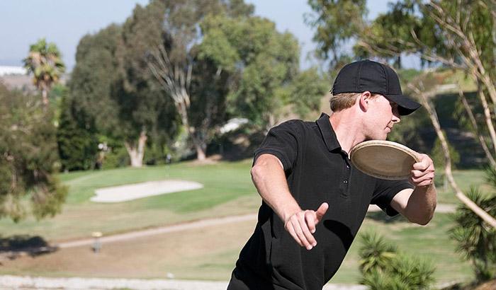 disc golf forehand vs backhand
