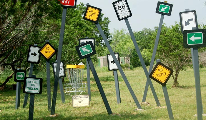 how to build a disc golf course